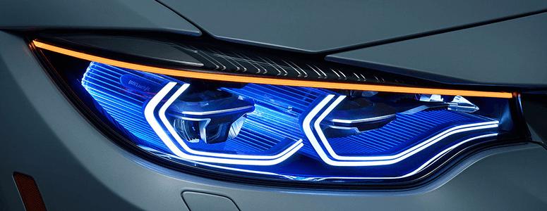 Gunakan Selalu Lampu Utama Saat Berkendara di Bawah Guyuran Hujan